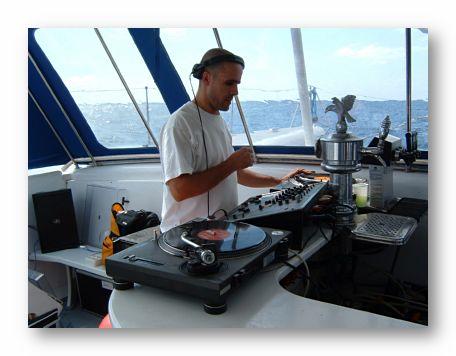 DJ-party-boat