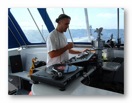 DJ-party-boat